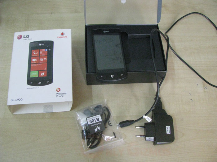LG Optimus Seven Unboxed