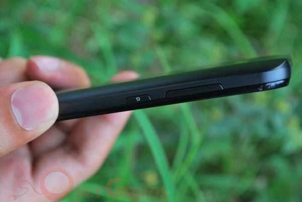 LG Optimus Black Thickness