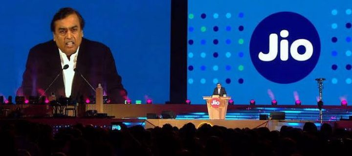 Reliance Jio Imposes a Daily Cap of 300 Minutes for Customers Who Misuse Free Calling Feature